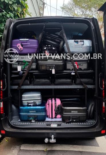 Vans com bagageiro único e seguro no mercado para transfer aeroporto