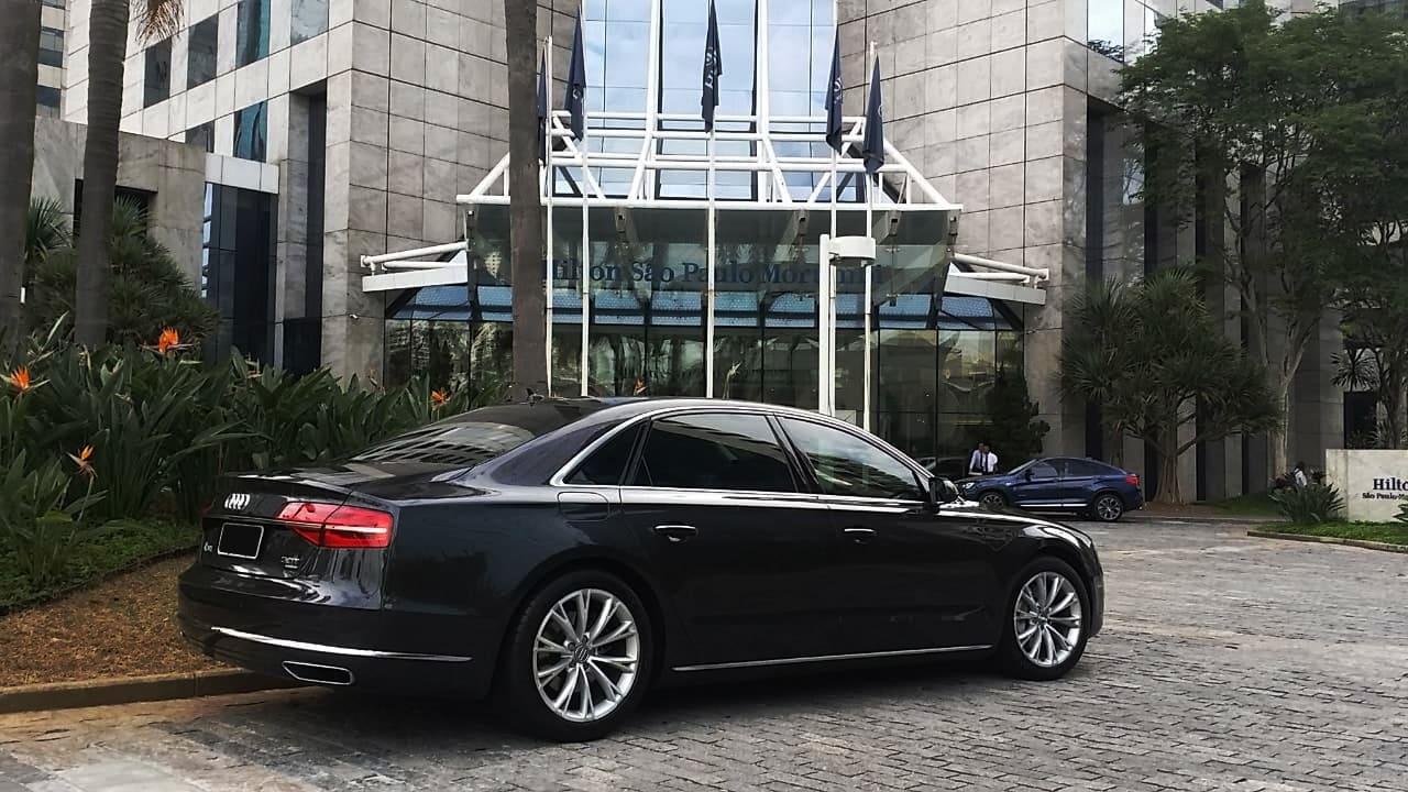 Audi A8 Limo para locação em São Paulo com motorista, traslado, evento, viagem disposição
