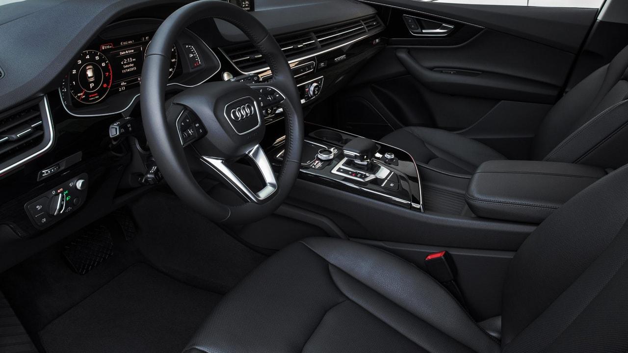 Chauffeur service com Audi Q7 Luxo em Sp