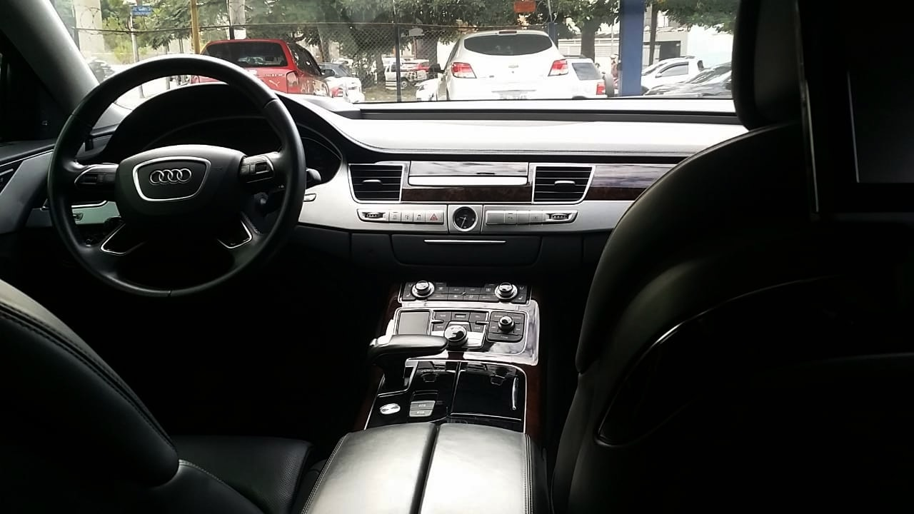 Interior Audi A8 premium Blindado