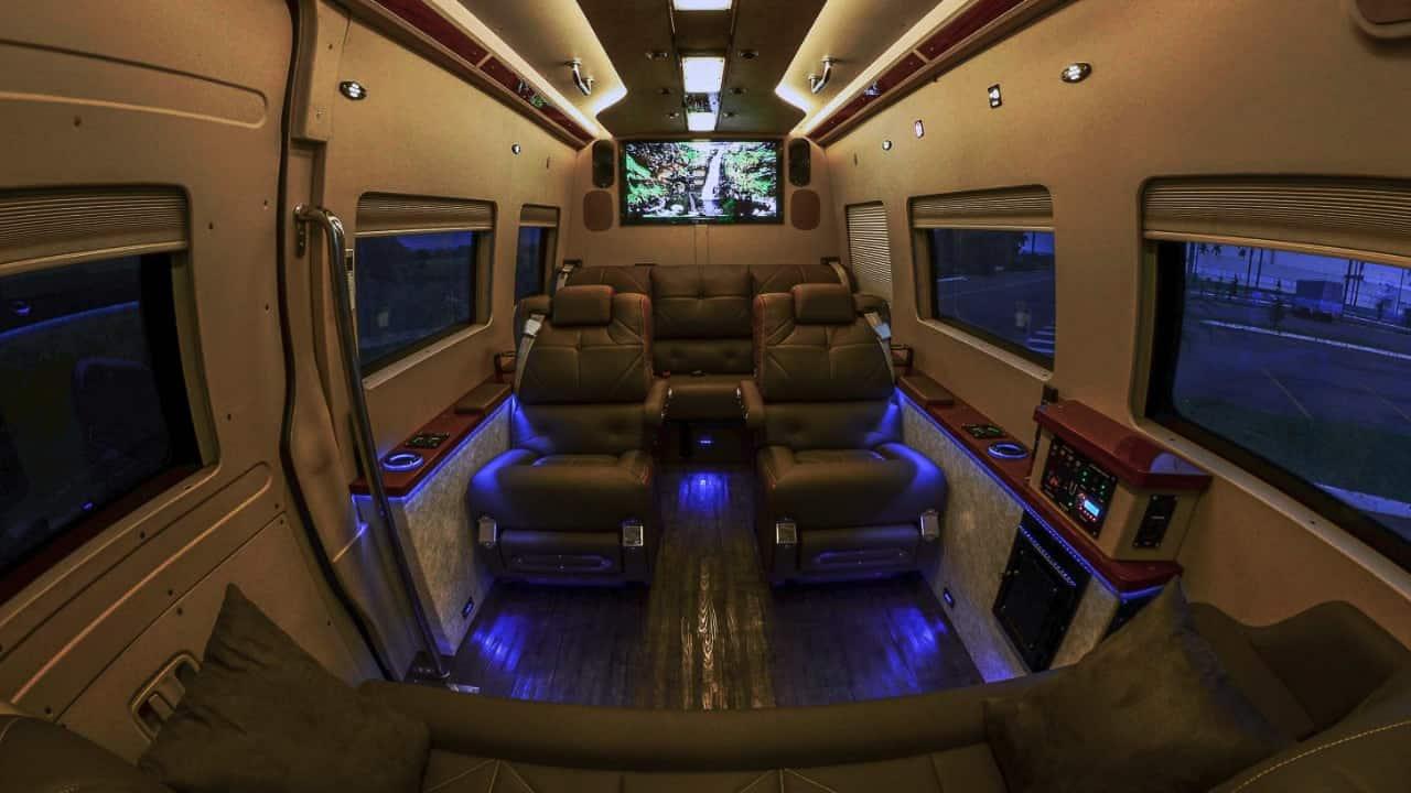 Interior Jet Van Luxo blindada