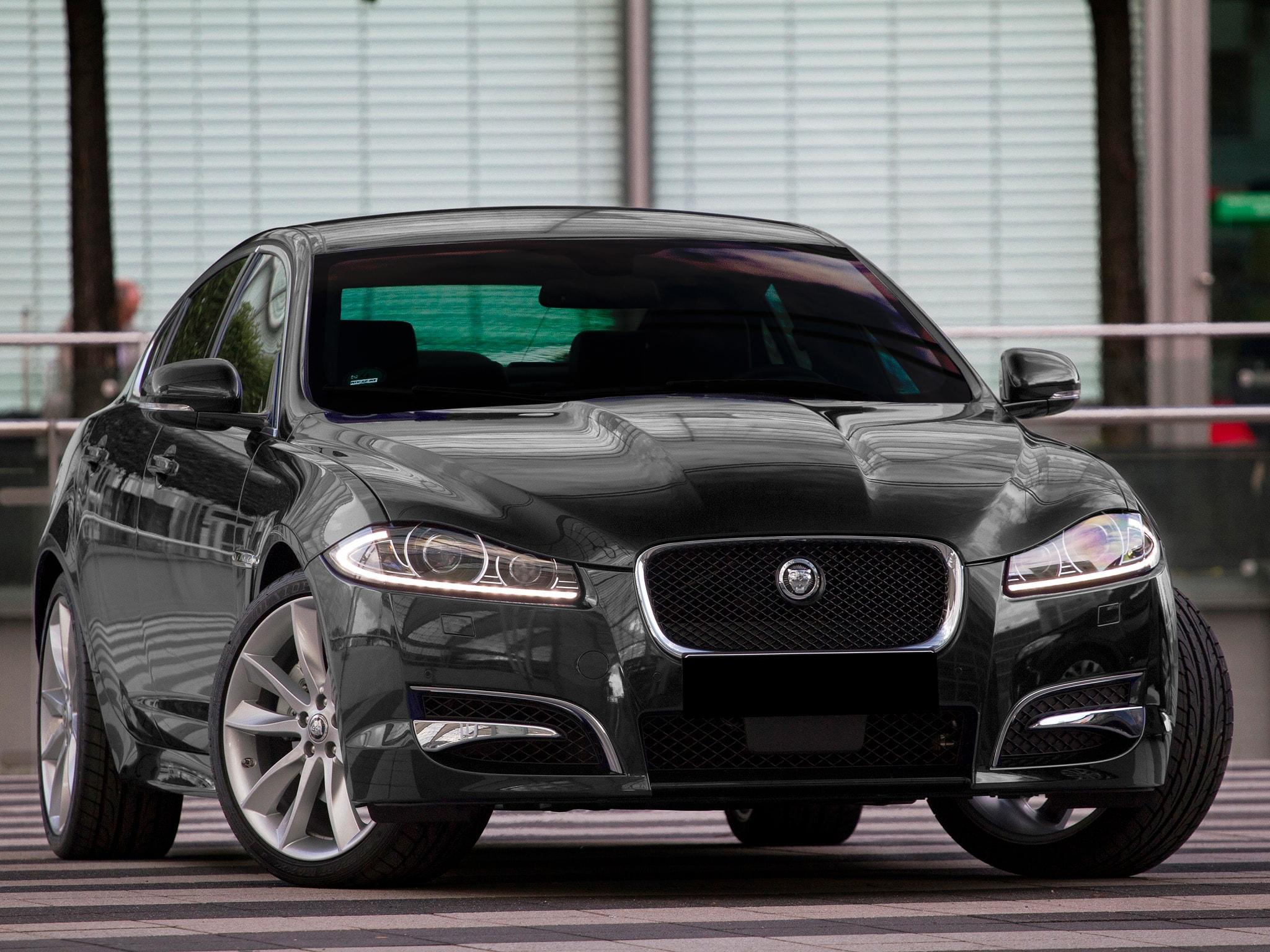 Locação de Jaguar Luxo transfer aeroporto