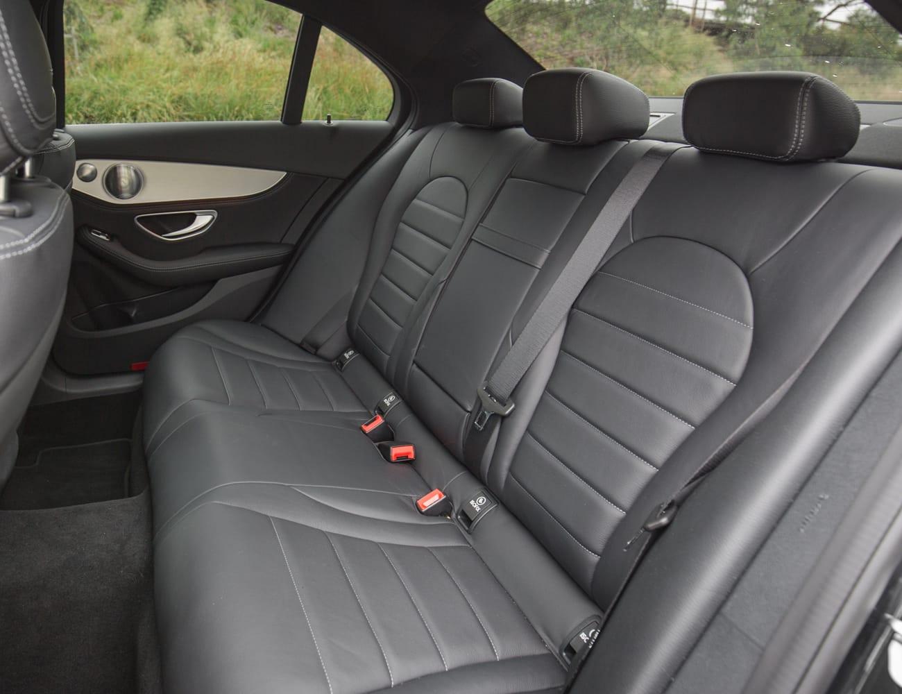Mercedes c250 luxo para transporte executivo em sp diária e transfer
