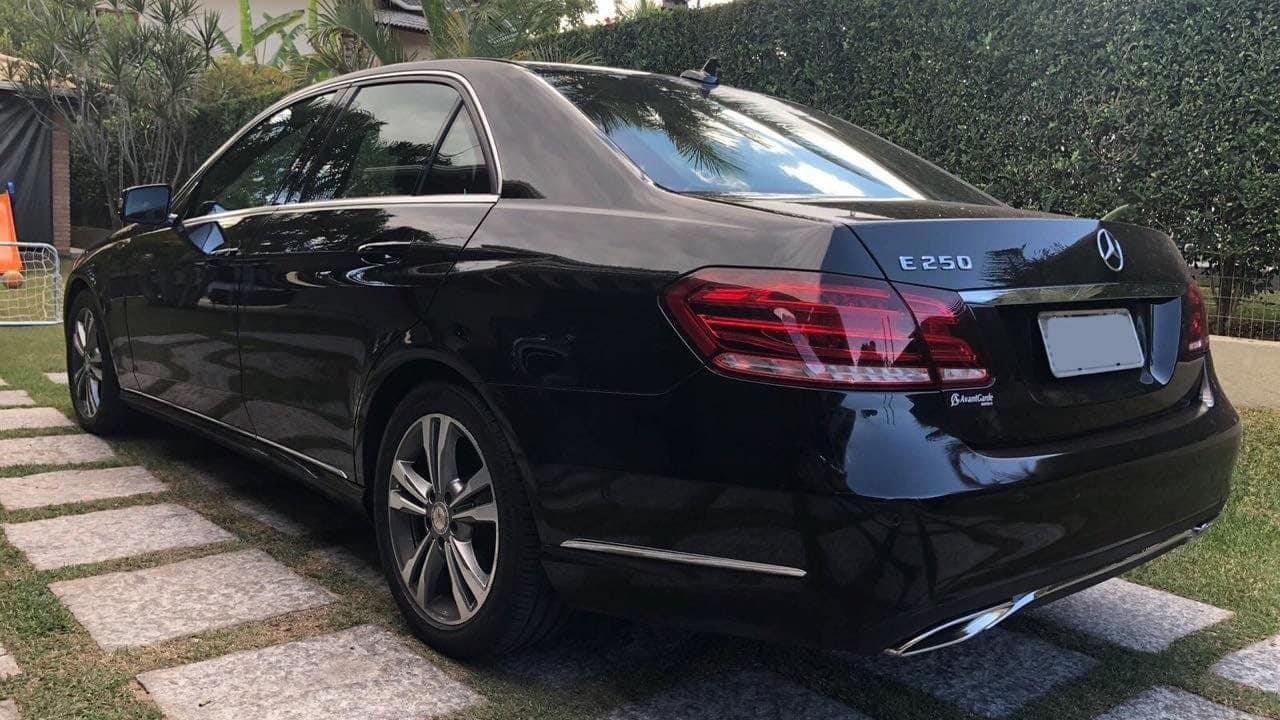 Mercedes e250 luxo com motorista para evento e traslado de diretor empresarial