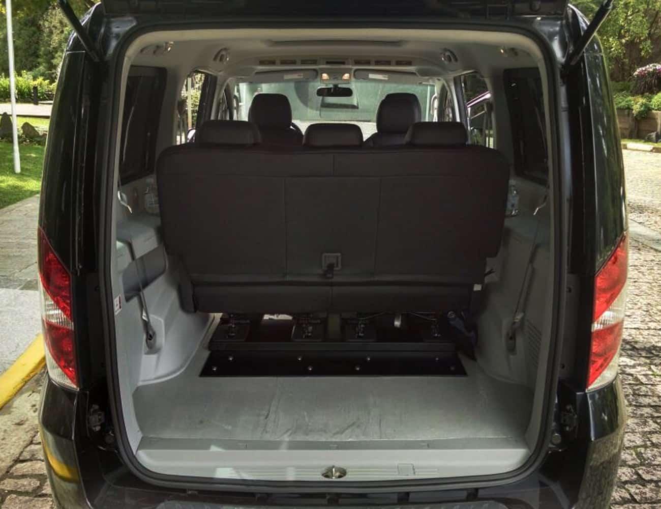Minivan jac t8 para consulados e empresas business