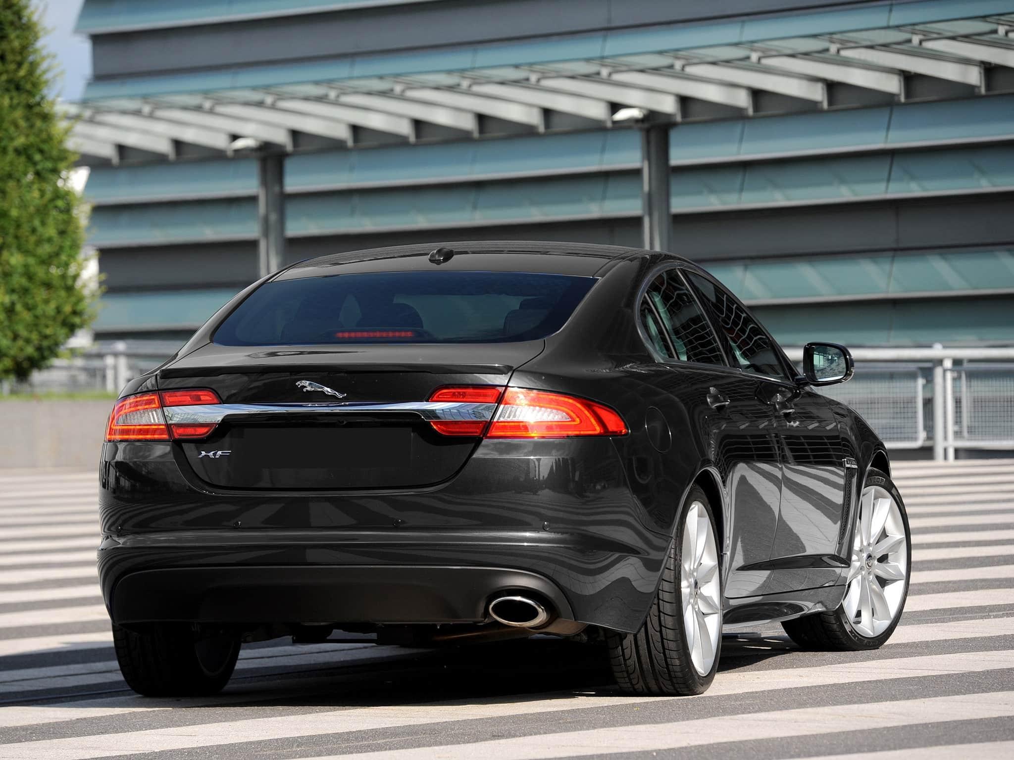 Sedan Jaguar Luxo sp