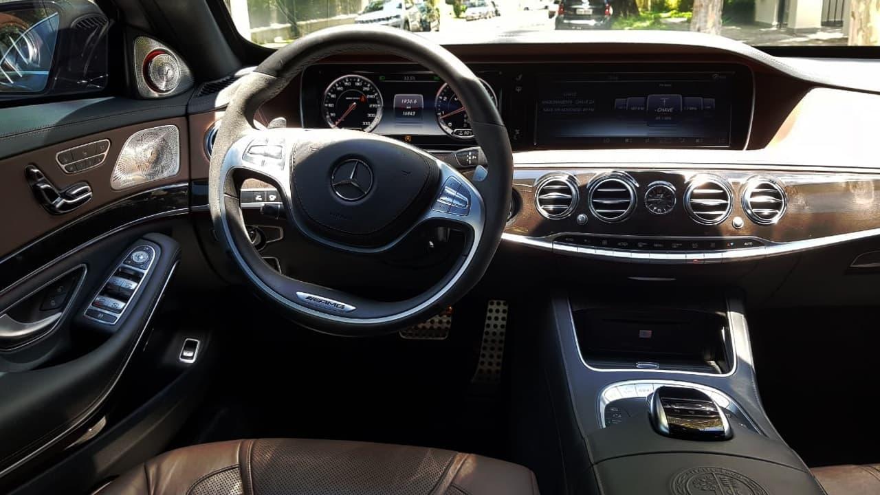 Sedan Luxo com motorista S 63 AMG Premium